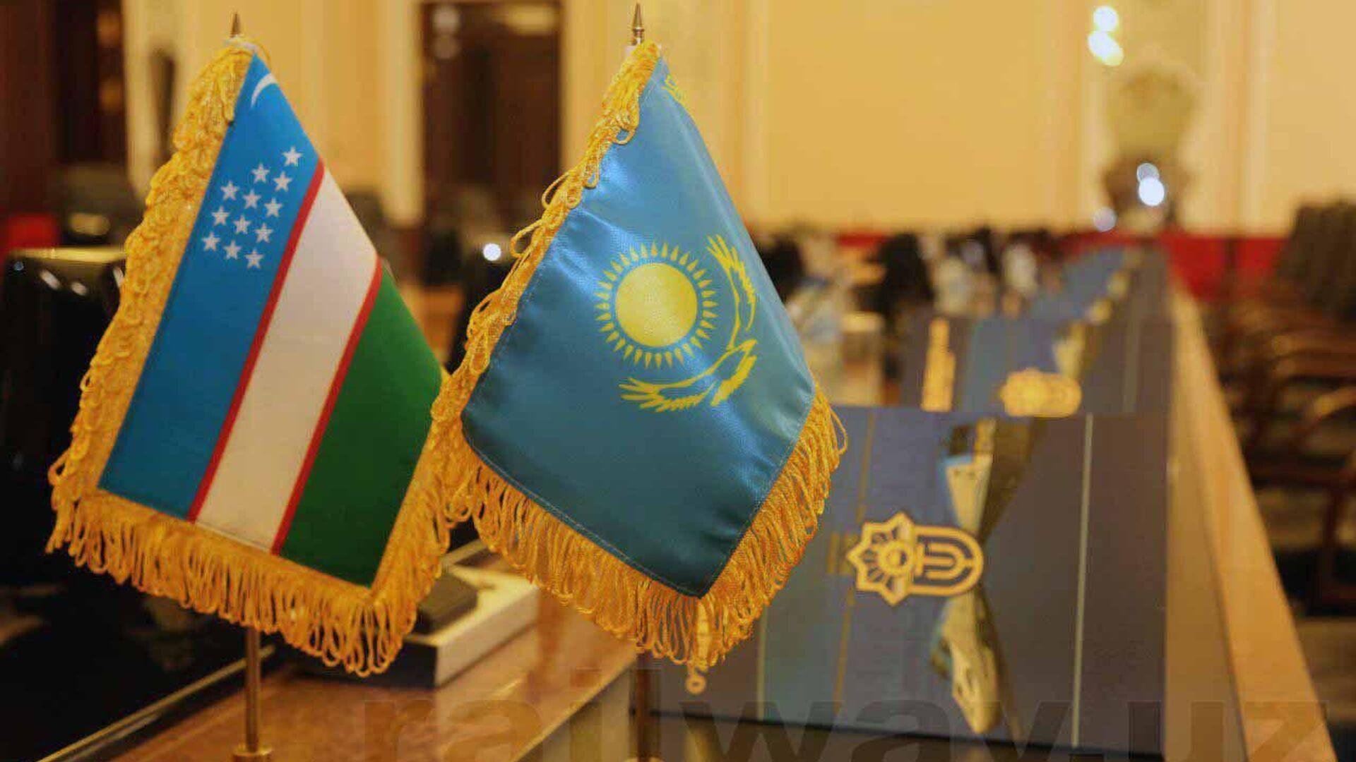 Казахстан и Узбекистан обсудили взаимодействие в железнодорожной сфере - Sputnik Ўзбекистон, 1920, 28.07.2021