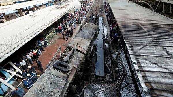 Трагедия в Каире: пожар на вокзале унес жизни людей - Sputnik Ўзбекистон