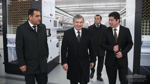 Президент посетил передовой промышленный комплекс Туракургана - Sputnik Узбекистан