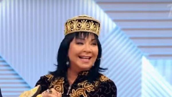 Звезда 80-х Микаэла Роуз нашла своих узбекских родственников - Sputnik Узбекистан