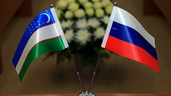 Flagi Uzbekistana i Rossii - Sputnik Oʻzbekiston