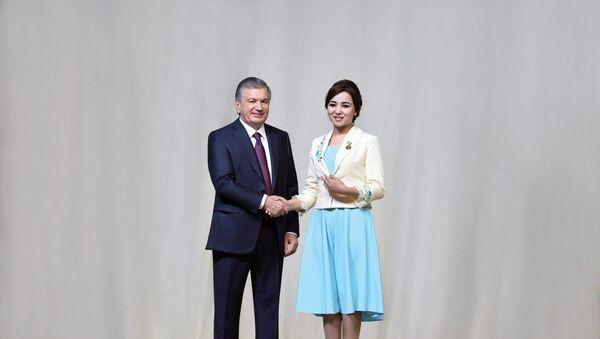 Prezident Shavkat Mirziyoyev pozdravil jenщin s prazdnikom - Sputnik Oʻzbekiston