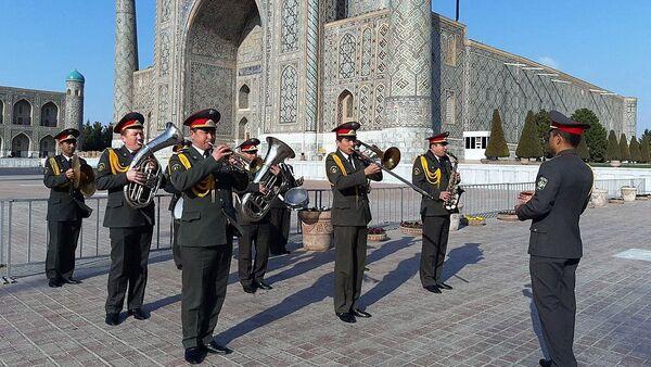 MO Uzbekistana pozdravilo jenщin s 8 marta - Sputnik Oʻzbekiston