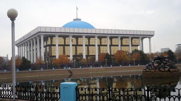 Oʻzbekiston parlamenti binosi - Sputnik Oʻzbekiston