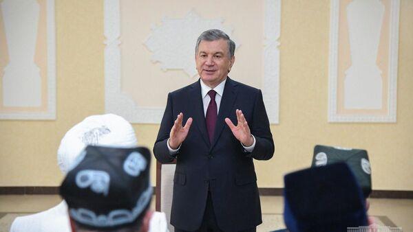 Shavkat Mirziyoyev posetil obnovlennыy kompleks Chashma  - Sputnik Oʻzbekiston
