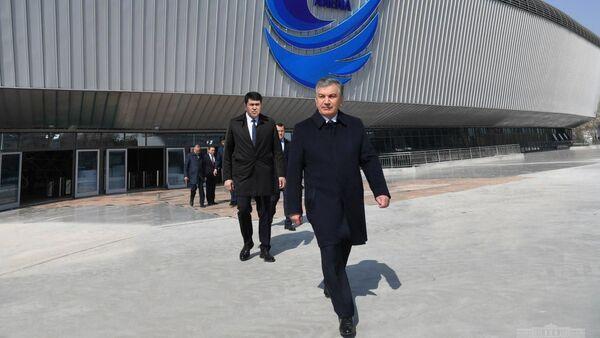 Шавкат Мирзиёев посетил Хумо Арена на кануне открытия - Sputnik Ўзбекистон