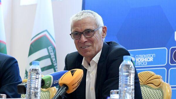 Главный тренер сборной Узбекистана по футболу Эктор Купер - Sputnik Узбекистан