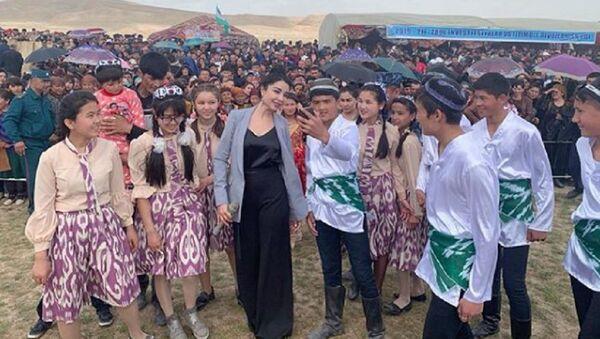 Навруз к нам приходит: звезды шоу-бизнеса начали поздравлять Узбекистан - Sputnik Ўзбекистон