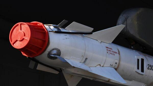 Управляемая ракета класса воздух-воздух малого радиуса действия Р-73 - Sputnik Ўзбекистон