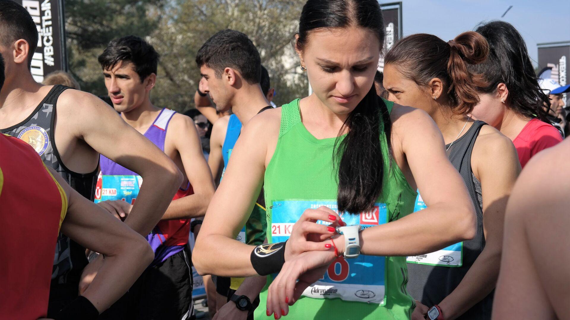 Я влюбилась в этот марафон как раз за то, что ты реально увидишь весь Ташкент, увидишь всю красоту, и это очень здорово, — говорит участница марафона. - Sputnik Ўзбекистон, 1920, 18.09.2021