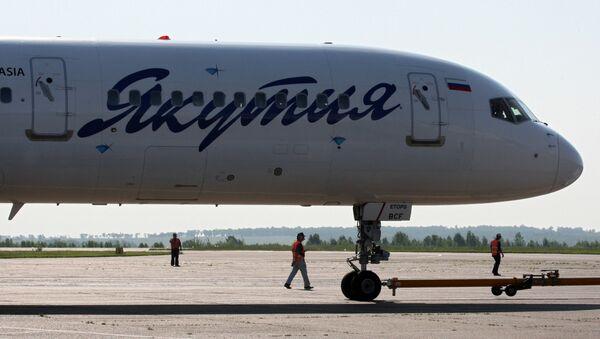 Пассажирский самолет Боинг 757-200 авиакомпании Якутия - Sputnik Узбекистан