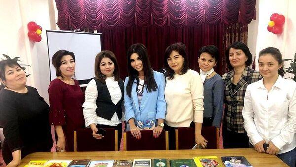 Звезды узбекской эстрады приняли участие в акции  - Sputnik Ўзбекистон
