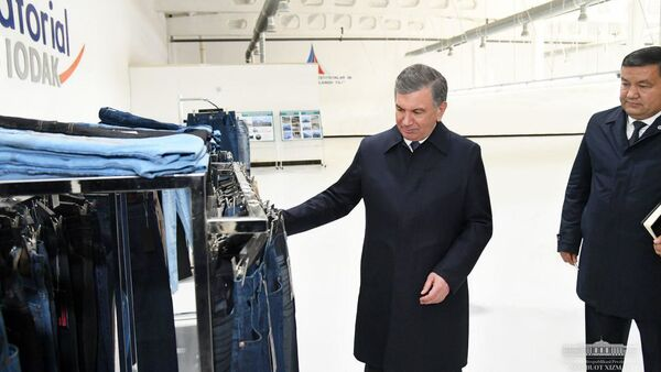 Президент Узбекистана Шавкат Мирзиёев побывал на предприятииEkvatorial Chodak Group - Sputnik Ўзбекистон