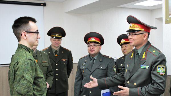 Узбекистан и Беларусь решили усилить сотрудничество в области подготовки военных кадров - Sputnik Ўзбекистон