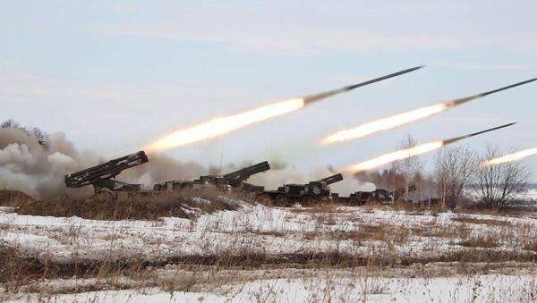 В Челябинской области испытали реактивные системы залпового огня Ураган - Sputnik Ўзбекистон