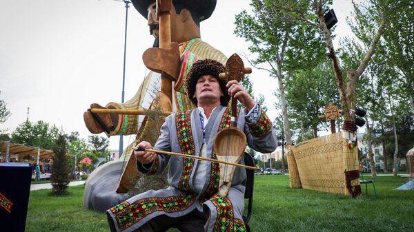 Искусство бахши – это прежде всего пение дастанов - Sputnik Узбекистан