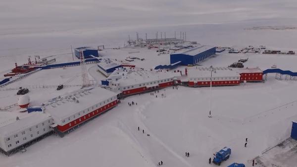 Арктическая военная база  - Sputnik Ўзбекистон