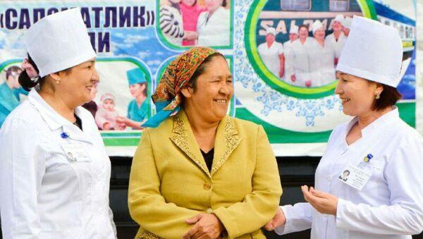 Врачи поезда Саломатлик - Sputnik Узбекистан