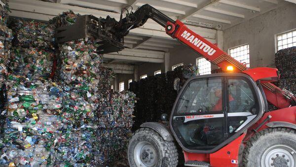 Работа мусороперерабатывающего завода - Sputnik Узбекистан