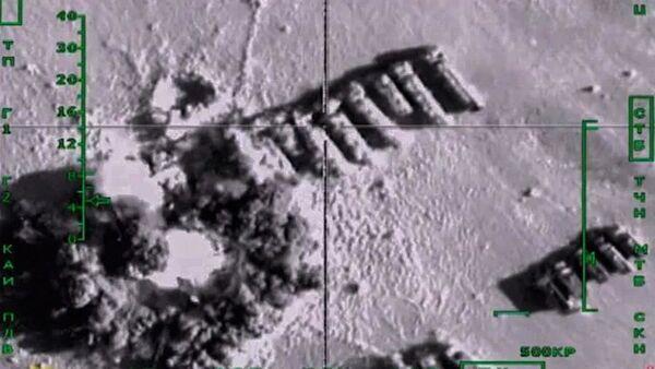 Удары российских Воздушно-космических сил по колоннам бензовозов - Sputnik Ўзбекистон
