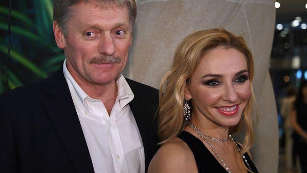 Пресс-секретарь президента РФ Дмитрий Песков с супругой Татьяной Навкой - Sputnik Ўзбекистон