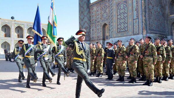 Новобранцы торжественно поклялись на площади Регистан - Sputnik Ўзбекистон