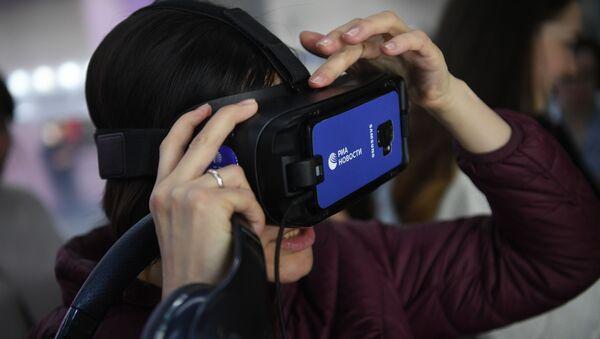 С глазу на глаз с Гагариным: РИА Новости презентовало VR-проект в Москве - Sputnik Узбекистан