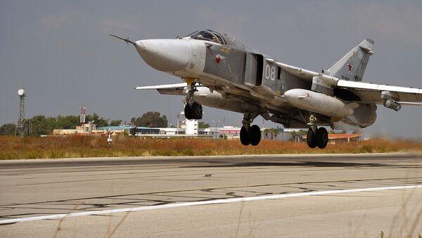 Rossiyaning Su-24 bombardimonchi samolyoti. - Sputnik Oʻzbekiston