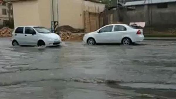 Опять потоп: как заливало Ташкент на выходных - видео - Sputnik Ўзбекистон
