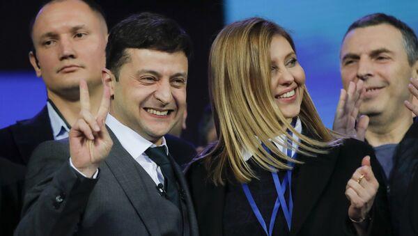 Владимир Зеленский с супругой Еленой - Sputnik Ўзбекистон