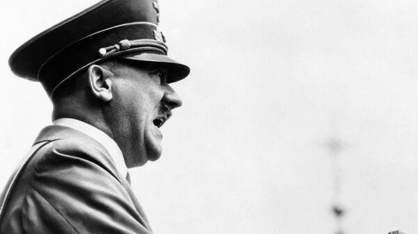 Адольф Гитлер - Sputnik Ўзбекистон