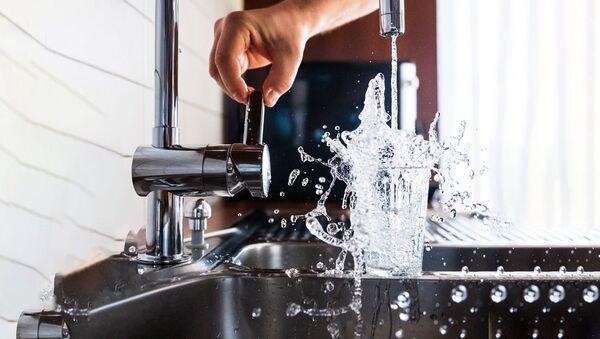 Холодная вода из крана - Sputnik Узбекистан