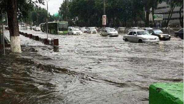 Ташкент утонул: жители города поднимают бунт - Sputnik Узбекистан
