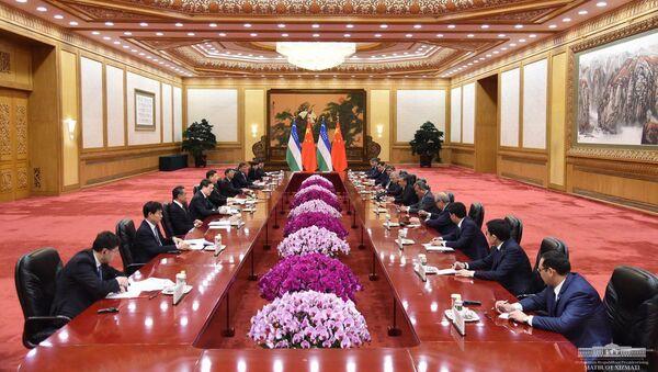 Президент Узбекистана Шавкат Мирзиёев встретился с Председателем КНР - Sputnik Ўзбекистон
