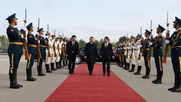 Шавкат Мирзиёев завершил свой визит в Китай и отбыл в Ташкент - Sputnik Ўзбекистон