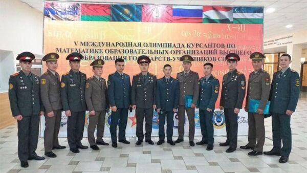 Курсанты Академии Вооруженных Сил Узбекистана  - Sputnik Узбекистан