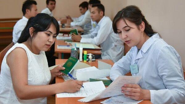 В Узбекистане отменили медсправку для абитуриентов - Sputnik Ўзбекистон