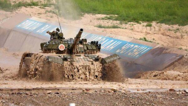 Танковый биатлон - Sputnik Узбекистан