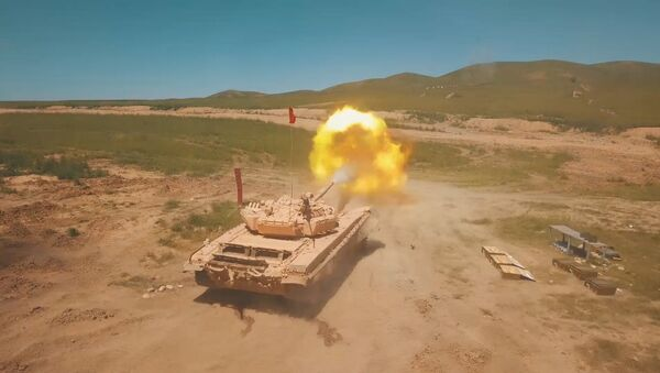На полигоне в Чирчике прошли соревнования по танковому биатлону - Sputnik Ўзбекистон
