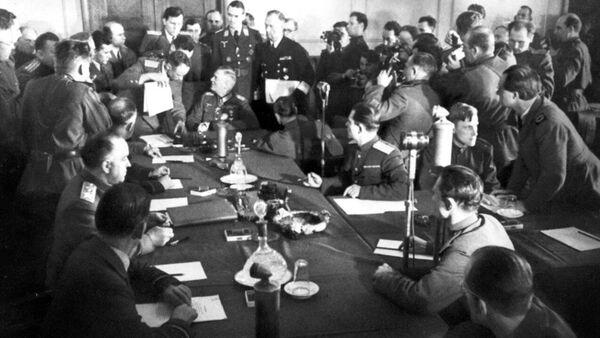 Акт о капитуляции, положивший конец Великой Отечественной войне - Sputnik Ўзбекистон