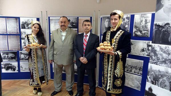 Фотовыставка Память народа священна - Sputnik Узбекистан