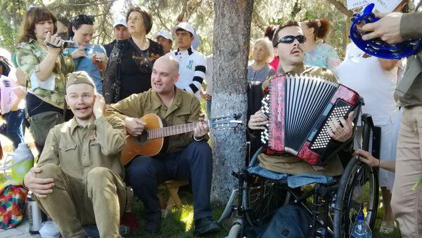 Музыканты на празднике 9 мая в Ташкенте - Sputnik Ўзбекистон