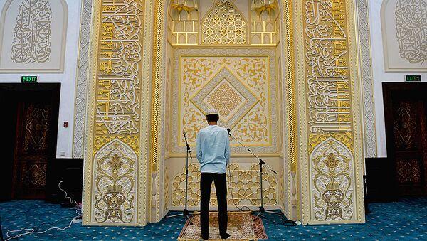 место где имам читает азан (призыв на молитву) - Sputnik Узбекистан