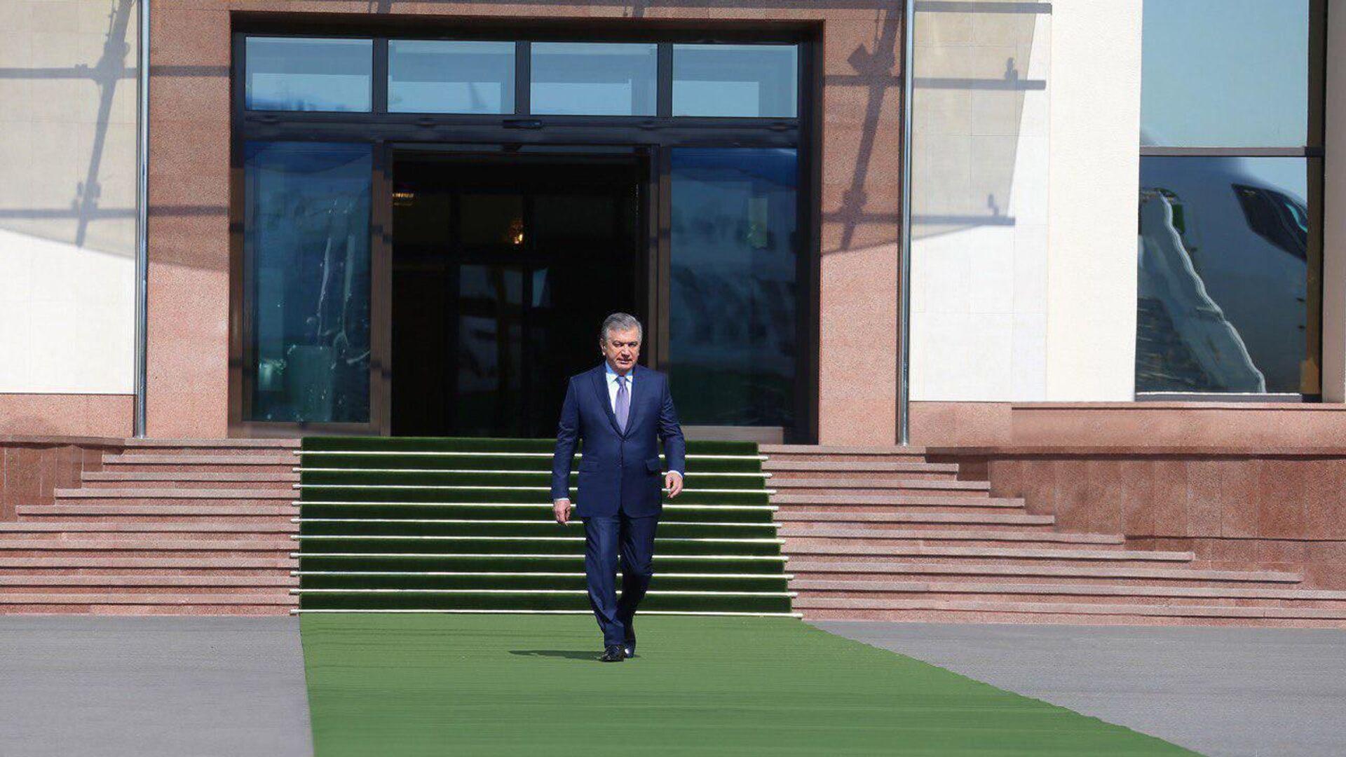 Шавкат Мирзиёев отправился в Андижанскую область - Sputnik Узбекистан, 1920, 02.08.2021