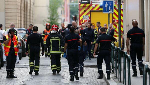Полиция и экстренные службы на месте взрыва в центре Лиона - Sputnik Узбекистан
