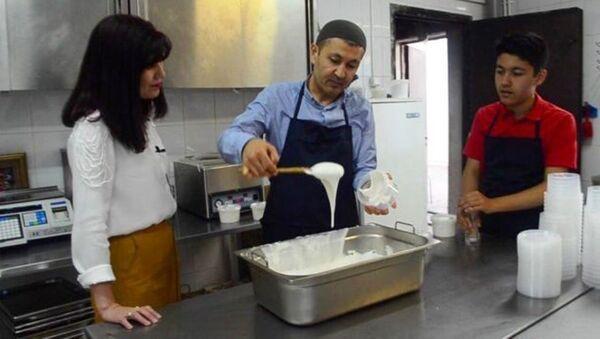 Повар из Самарканда готовить специальное блюдо для Рамадан в Москве - Sputnik Ўзбекистон