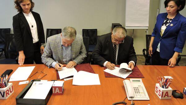 В Москве состоялась церемония подписания соглашения о сотрудничестве между Национальной телерадиокомпанией Узбекистана и ВГТРК - Sputnik Узбекистан