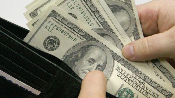 Денежные купюры. Доллары США.  - Sputnik Узбекистан
