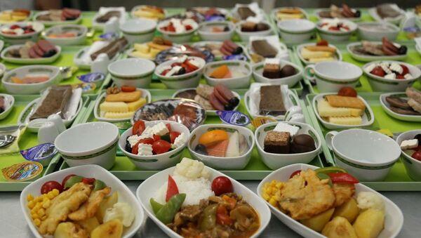 UzAirways вновь признана авиакомпанией с самой вкусной едой - Sputnik Ўзбекистон