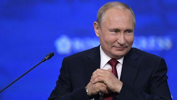 Prezident RF V. Putin na Peterburgskom mejdunarodnom ekonomicheskom forume. Den vtoroy - Sputnik Oʻzbekiston